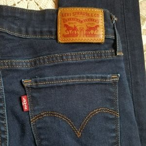 Levi's 711 Skinny Jeans Size 25 - Like New